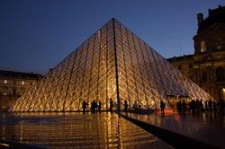 Ar tikrai Luvro piramidę sudaro 666 stiklinės plokštės ir tai buvo padaryta tyčia? Kaip yra iš tikro ir kaip tai susiję su masonais