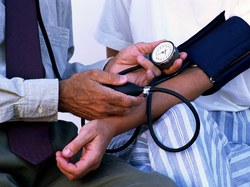 sąmonės netekimas hipertenzija kuri apyrankė sergant hipertenzija