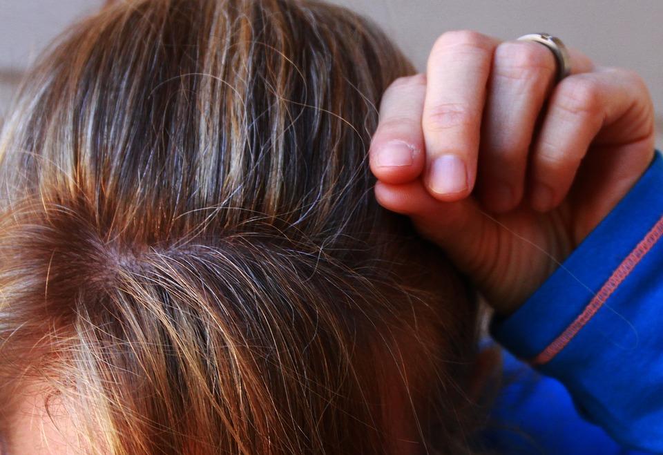Slenka ir žyla plaukai? Naujas mokslininkų tyrimas paaiškina, kodėl