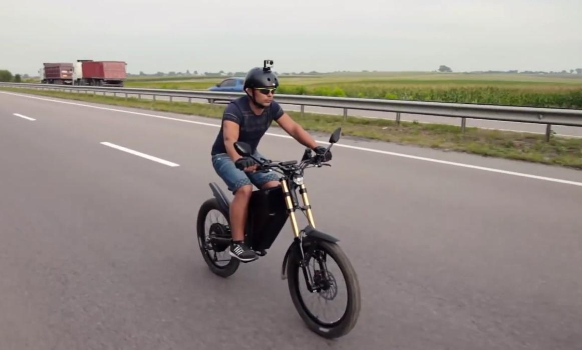 Naujakurių patogumui įrengtos dviratinės