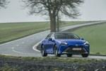 """""""Toyota"""" užsispyrimas - atskleidė, kiek laiko hibridai ir vandeniliniai automobiliai išliks aktualūs: kur kas ilgiau nei spėtumėte"""