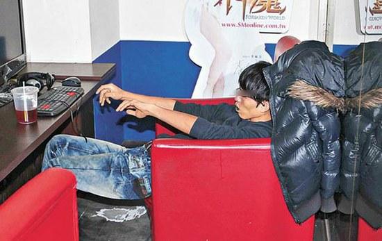 http://www.technologijos.lt/upload/image/n/technologijos/it/S-24174/nuotrauka-46374/1-taiwan-dead-gamer-02.jpg