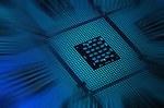 """Pirmą kartą per 15 metų AMD aplenkė """"Intel"""" stalinių kompiuterių segmente"""