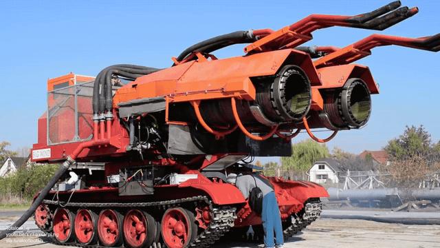 """Rusišką tanką """"T-34"""" kaip reikiant patobulino: ką ant jo veikia pritvirtintas """"MiG-21"""" reaktyvinis variklis? (Video)"""