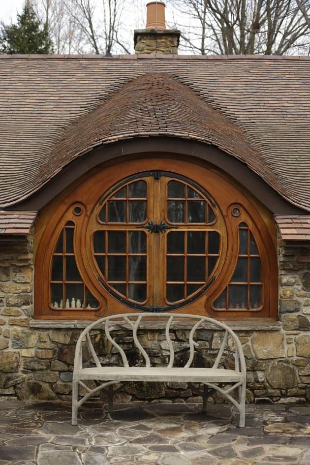 "Art Nouveau stiliaus ""sparnuotasis langas"". ©AP Photo/Matt Rourke"